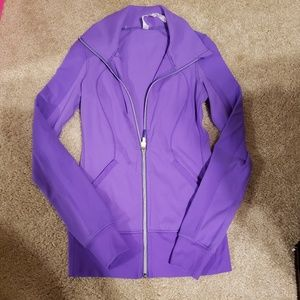 Lululemon purple Jacket size 2. amazing Jacket